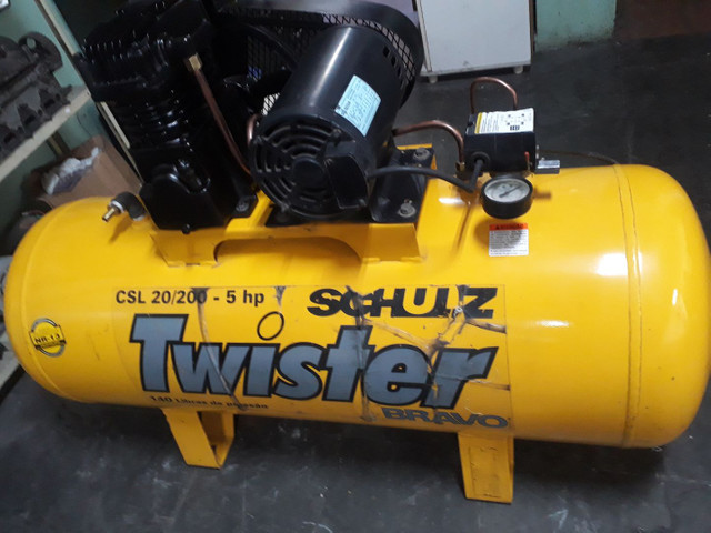 Compressor SCHULZ 20pés/200litros/140libras/Trifásico, OTIMO ESTADO,  - Foto 5