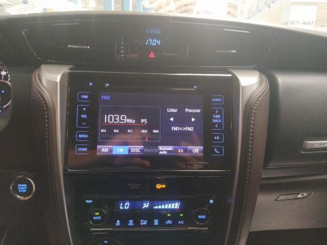 Toyota Hilux SW4 SRX 2.8 4x4 Turbo Diesel Automática 2018 - Foto 9