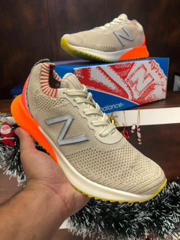 Tênis New Balance Fuelcell $280