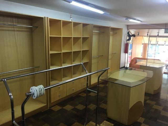 Móveis de marcenaria para loja de confecções em marfim - Foto 4