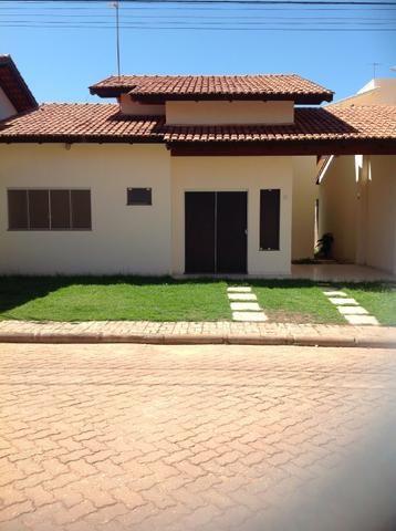 Casa de condomínio à venda