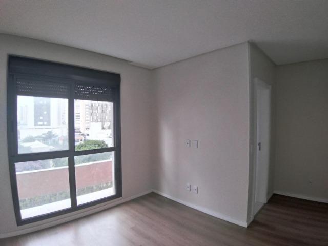 Apartamento 2 Suítes 97 M².Sacada com Churrasqueira, Lavabo, 1 Vaga no Centro - Foto 11