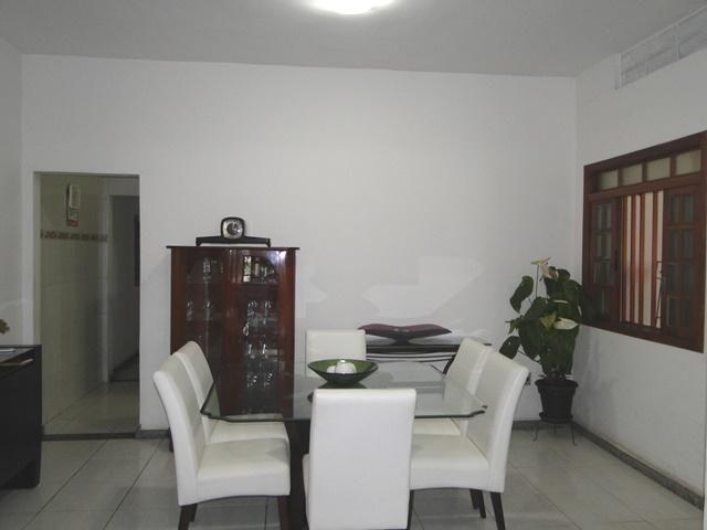 Casa com 3 dormitórios à venda, lote 380 metros, construção 250 m² por r$ 545.000 - caiçar