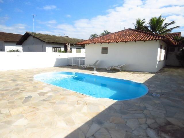 Casa com piscina em Itapoá ,3 quartos(1 suíte), ar, wifi, monit. 24h, 60 metros da praia - Foto 12