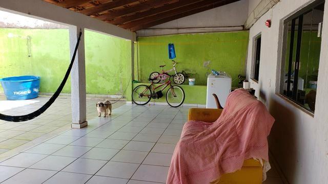 Casa simples com iptu 3quartos lote 270m2 rua 8vila São José Vicente Pires - Foto 4