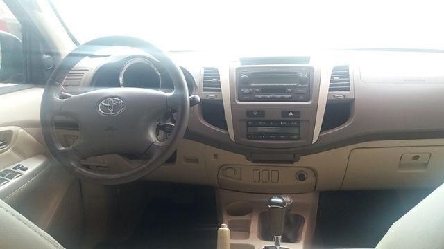 Toyota hiluzz sw4 srv 3.0 diesel 4*4 unico dono - Foto 4