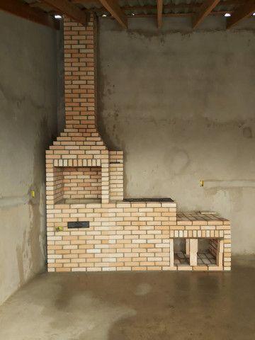 Churrasqueira, forno e fogão a lenha construídos no tijolinho maciço aparente. - Foto 4