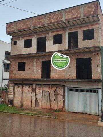Aceita permuta!!! Prédio em Águas Lindas com 04 apartamentos + 2 Lojas - Foto 2