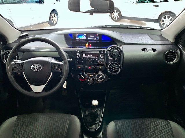 Etios XS Sedan 1.5 2018 - Foto 9