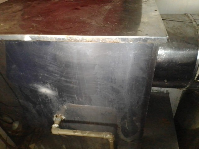 Sistema de exaustão e lavagem atmosféricas em inox com turbina acoplada.