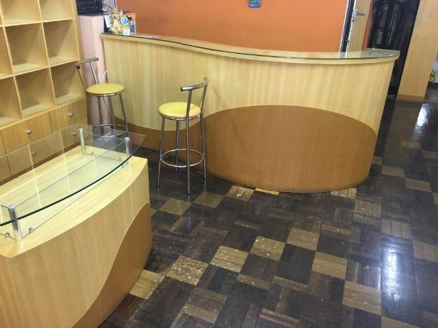 Móveis de marcenaria para loja de confecções em marfim - Foto 5
