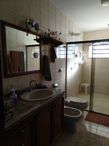Excelente Sobrado QE 28 Guará 2, 5 suítes, 5 vagas de garagem cobertas + lazer - Foto 7