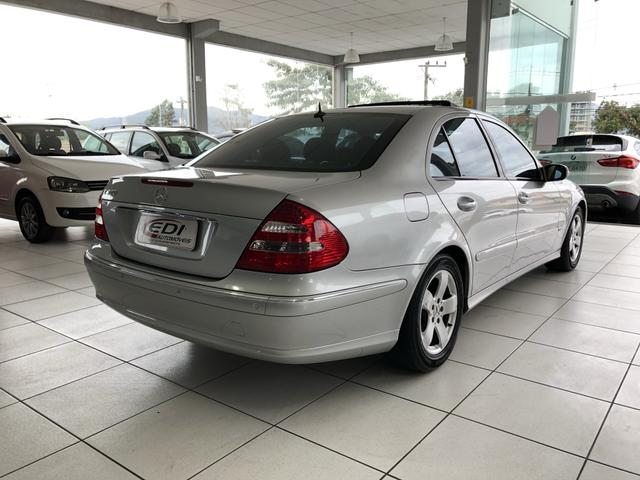 Mercedes-Bens E 320 ano 2004 impecável - Foto 6