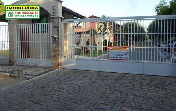 Casa Multifamiliar em Condomínio