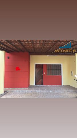 EF - Casa de Condomínio na Av. Mário Andreaza