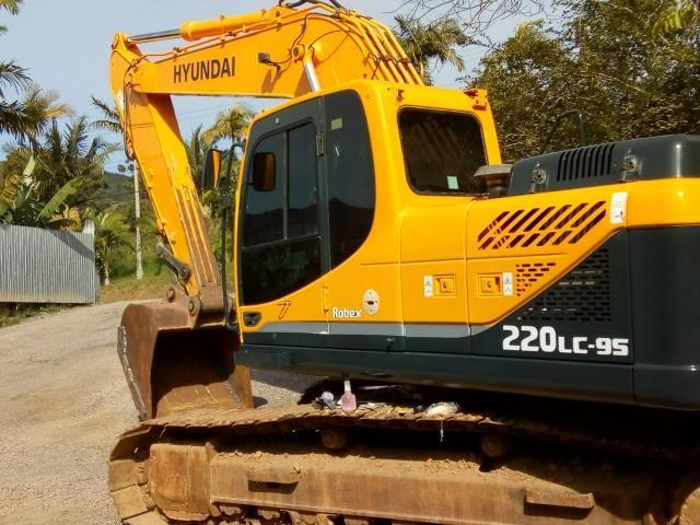 Escavadeira hyundai 220 lc-9