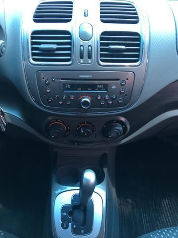 Grand Siena Essence Dualogic 1.6 modelo 2014 - Foto 8