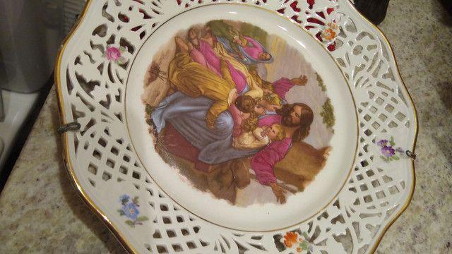 Belíssimo prato pintado a mão