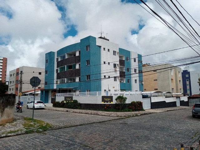 Apartamento nos Bancários com 3 quartos, sendo 1 suíte, varanda e piscina