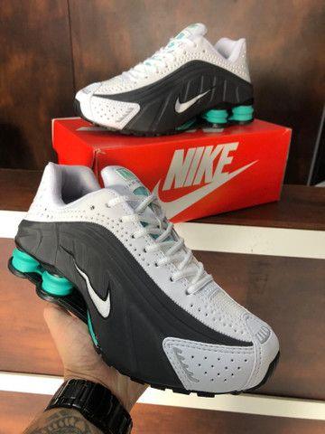 Tênis Nike shox r4 $270 - Foto 5