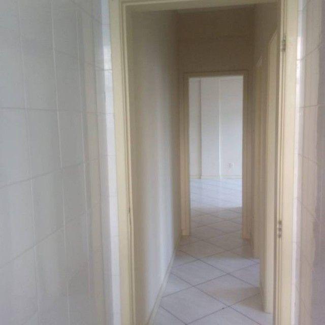 Apartamento para venda tem 80 metros quadrados com 2 quartos em Costa Azul - Salvador - BA - Foto 2