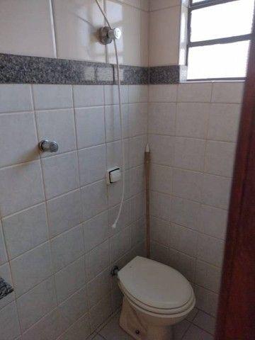 Apartamento para aluguel possui 65 metros quadrados com 3 quartos - Foto 3
