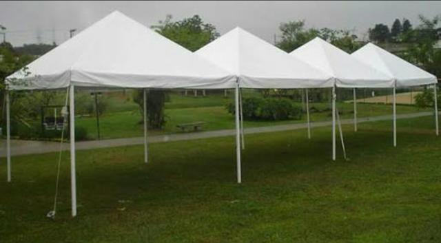 Aluguel de tendas e palcos contatos 981225032 ou 991826559