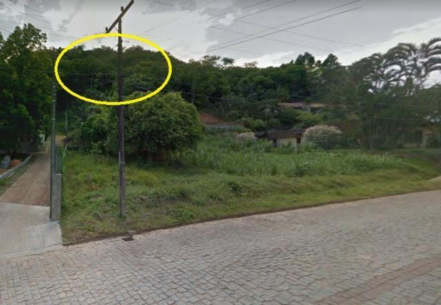 Vende-se terreno com 8.400 m²