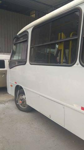 Micro ônibus Comil de 24 lugares ano 2008 - Foto 2