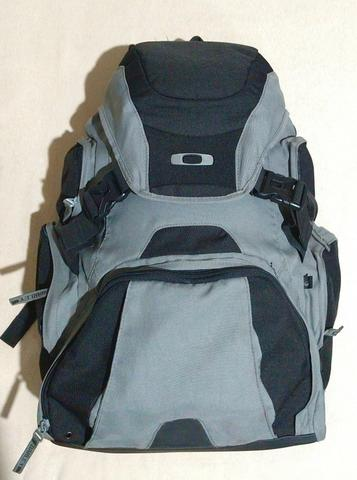 Mochila Oakley 40 litros - Bolsas d6697898c26