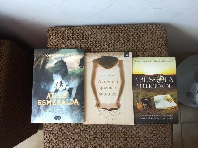 Livros O Atlas esmeralda, A menina que não sabia ler, A bússola da felicidade