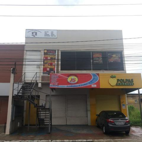 Loja comercial térreo e salas no 1o andar no Centro de Simões Filho