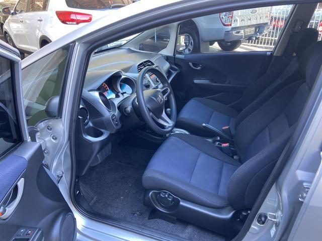 Honda Fit 2014 Lx 1.4 Automático Flex Pneus novos - Foto 11