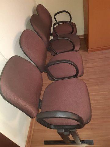 Cadeira 4 lugares c/ braço - 300,00 - Foto 2