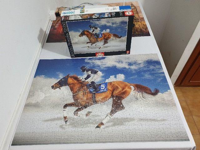 Quebra cabeça Educa - 1500 peças - Turfe - Cavalo - Foto 2