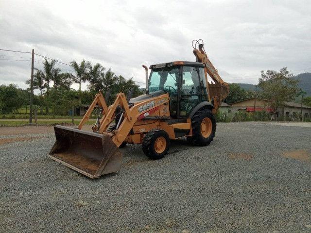 Retro escavadeira 580N - Foto 2