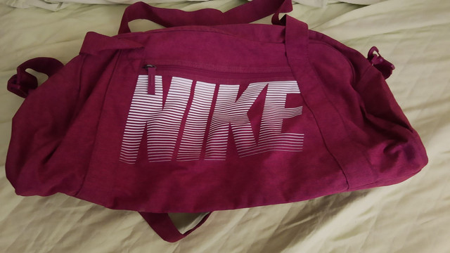 Vendo bolsa Nike original - Foto 2