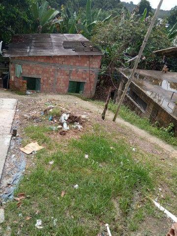 Armando Mendes casa com dois cômodos e banheiro, na Rua P