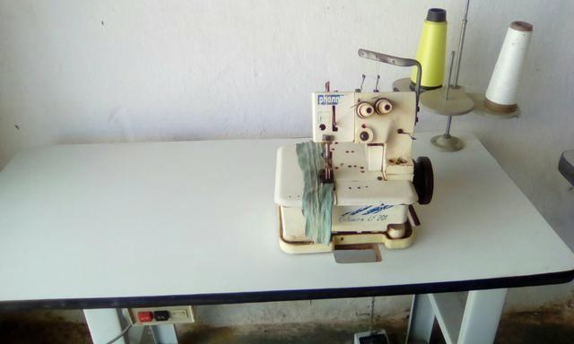 Maquina de costura galoneira semir indústrial