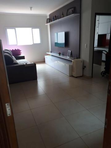 Aluga-se casa no Condomínio Safira na Vila Cristal com 3 quartos - Foto 2