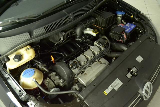 VolksWagen Fox Trendline 1.6 Flex 8V 5p - Preto - 2015 - Foto 14