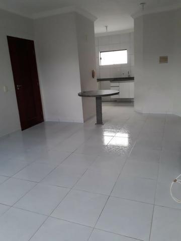 Apartamento 2/4 em Nova Parnamirim à 50m da Av. Maria Lacerda