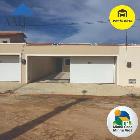 Casa no Ancuri com portão duplo por R$ 145 mil