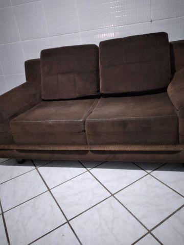 Vendo sofá 2 lugares muito confortável  - Foto 3