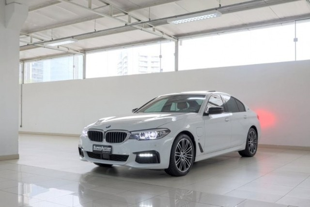 BMW 530E 2.0 Turbo iPerformance (Plug-in Hybrid) 2019  - Foto 15
