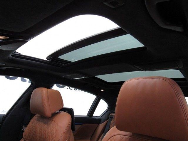 BMW 745 Le M Sport 3.0 - Foto 10