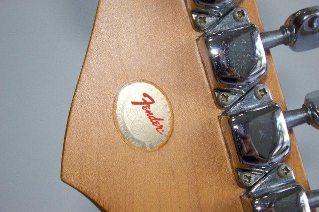 Guitarra Fender Stratocaster 50 Anos - Foto 3