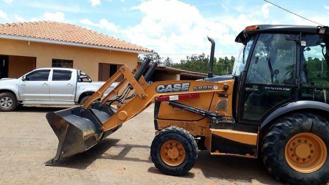 Retroescavadeira case 580N 4x4 Gabinada - Foto 2