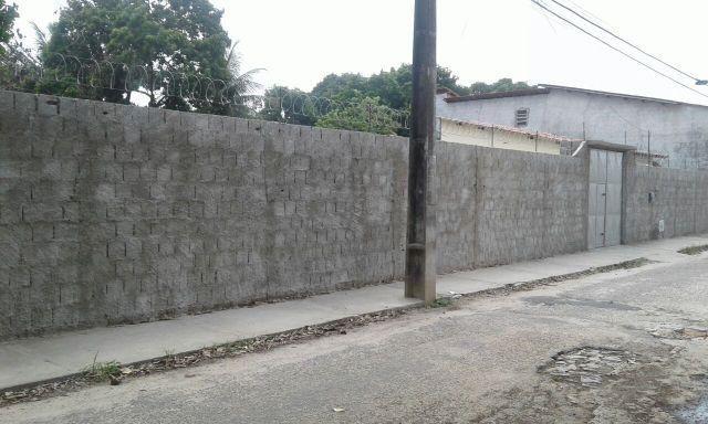 Jangurussu - Terreno grande com Casa Plana 1122m²