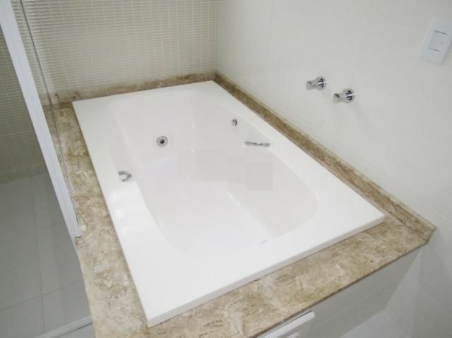 Sobrado triplex em condomínio, com ótimo padrão de acabamento - R$ 765.000,00 - Foto 13